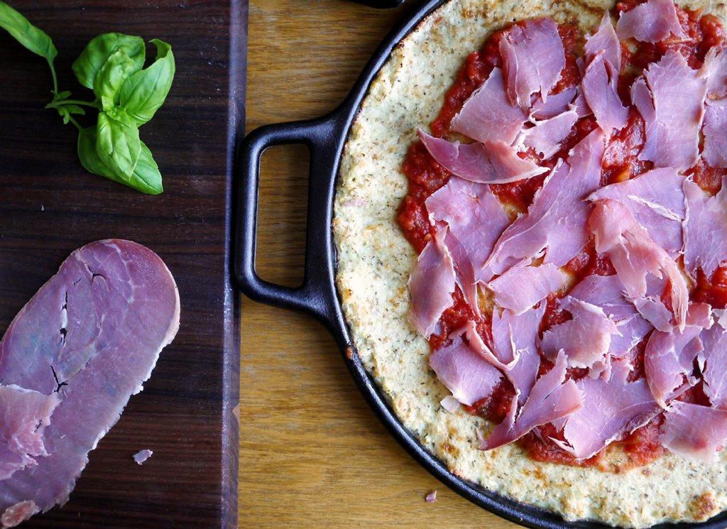 crust plus prosciutto