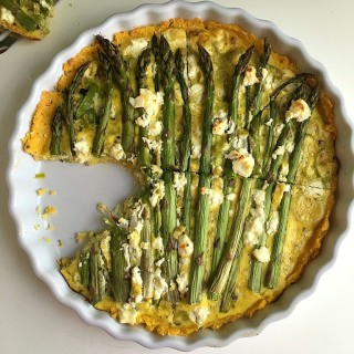 Asparagus and Leek Tart with Parmesan-Polenta Crust