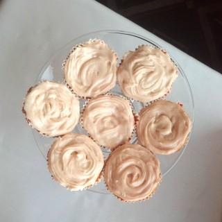 Georgia Peach Cupcakes + Savannah Wedding