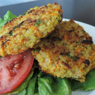 "Featured Recipes from Kristen @ A Mind ""Full"" Mom: Breakfast Pizza, Quinoa Burger, and Grilled Panzanella Salad"