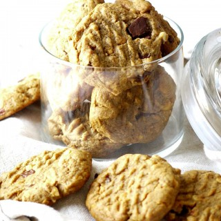 Flourless Peanut Butter Cookies with Dark Chocolate Chunks