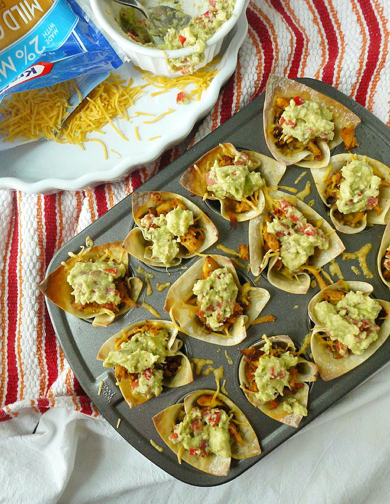Cheesy Chipotle Chicken Taco Cups with Red Pepper-Gaucamole 10
