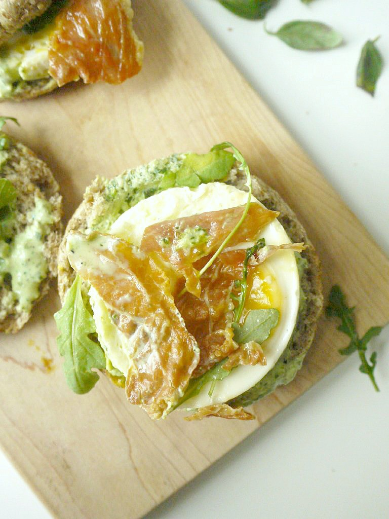 green-goddess-egg-sandwich-with-crispy-prosciutto-14
